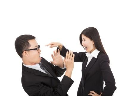Comment répondre habilement aux objections, par Nicole Simard