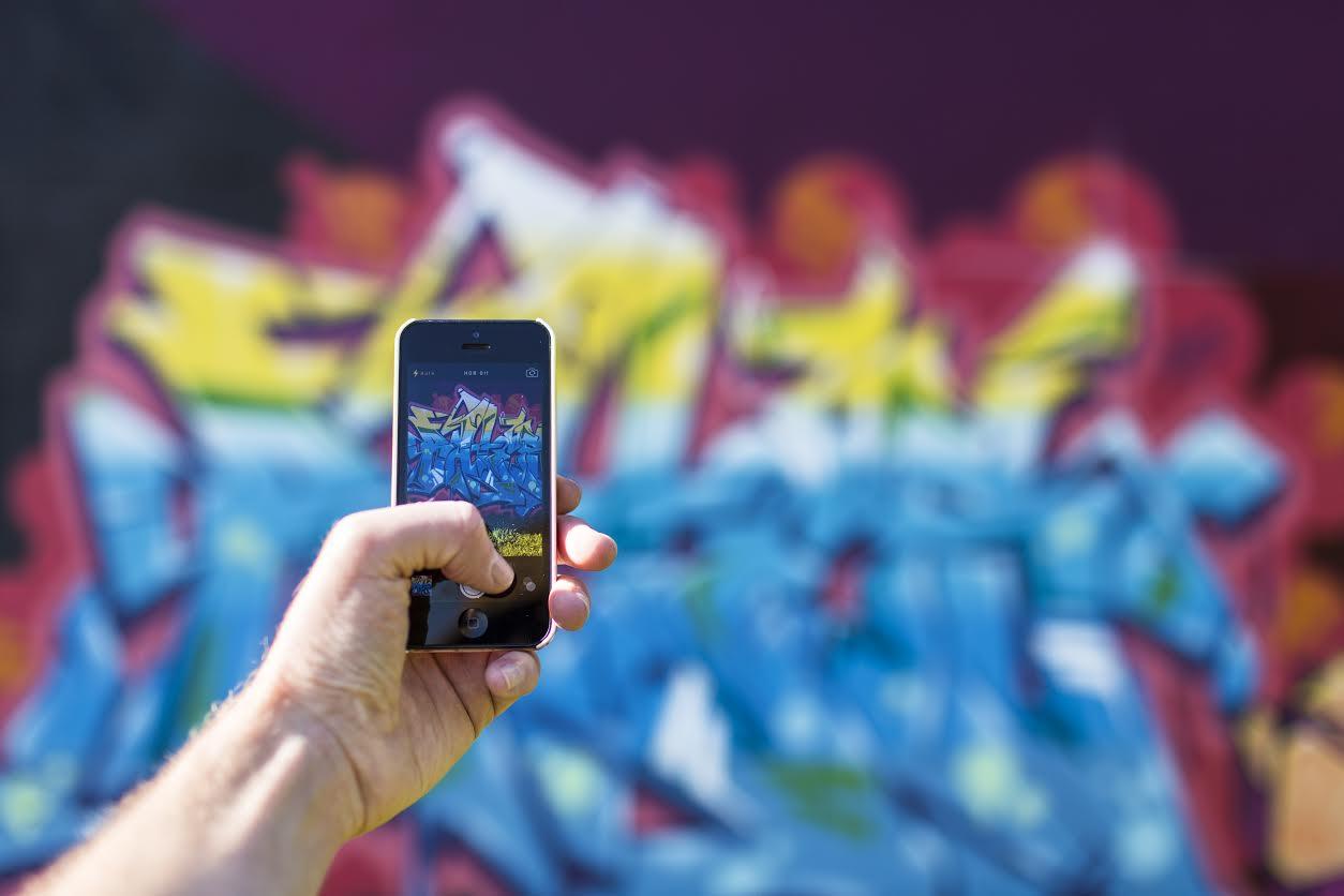 Les médias sociaux et les jeunes: leur sécurité et leur vie ! Conférence de Yanick Côté
